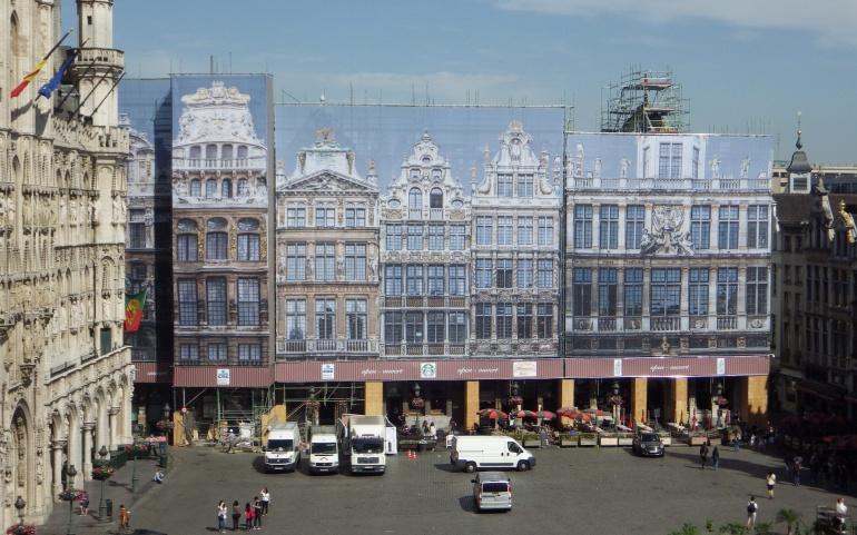 APPEL À PROJETS | Que faire des bâches décoratives des façades 1 à 7 de la Grand-Place ?